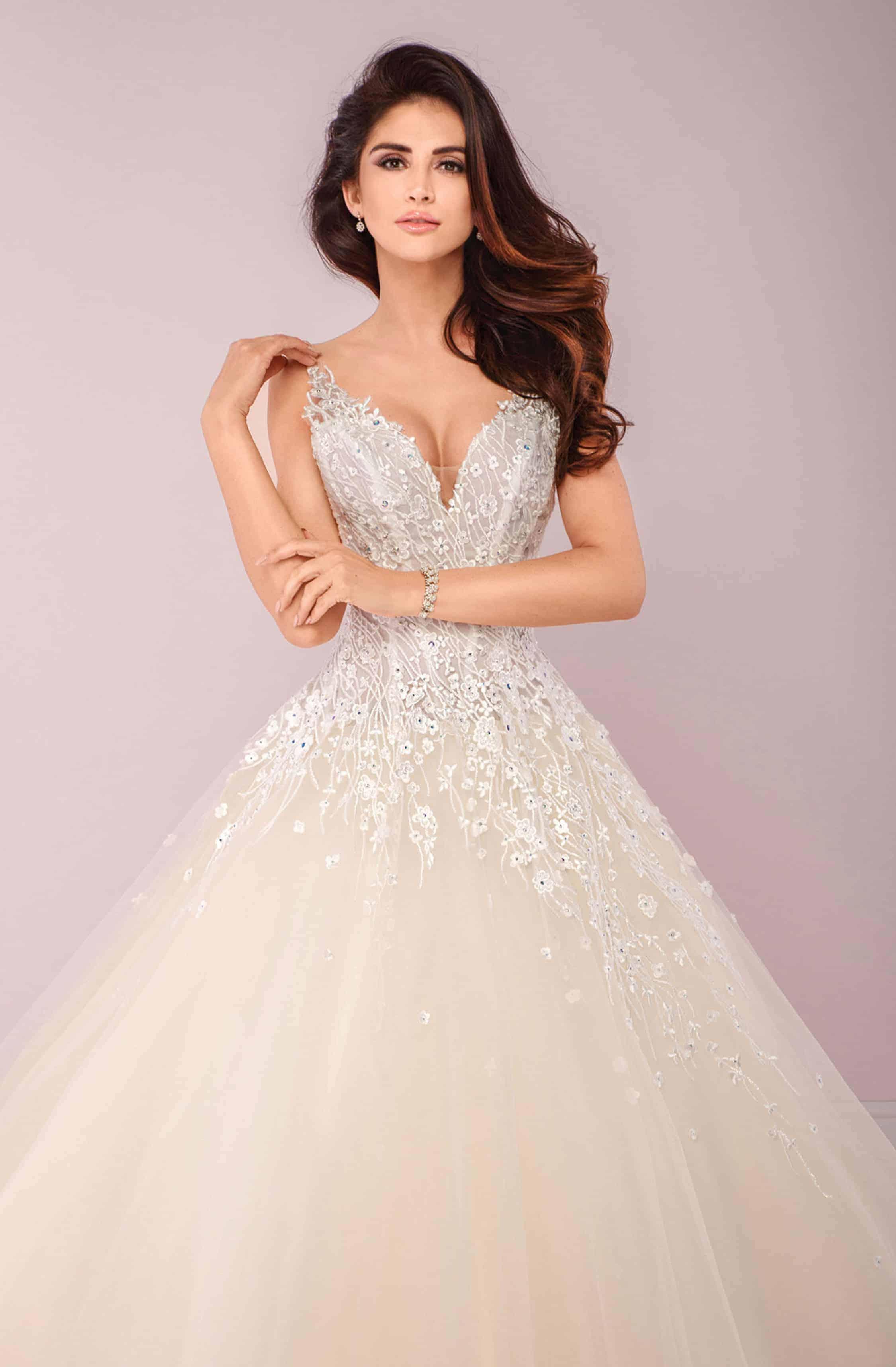 Agora | Brautkleid A-Linie | Hochzeitskleid Prinzessin | Brautmode Köln Anna Moda