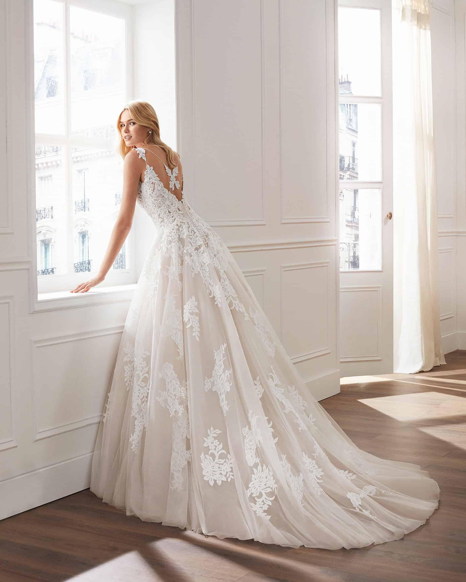 Luna Novias Verti   Prinzessinnen Brautkleid   Hochzeitskleid A-Linie   Brautmode Köln Anna Moda   B