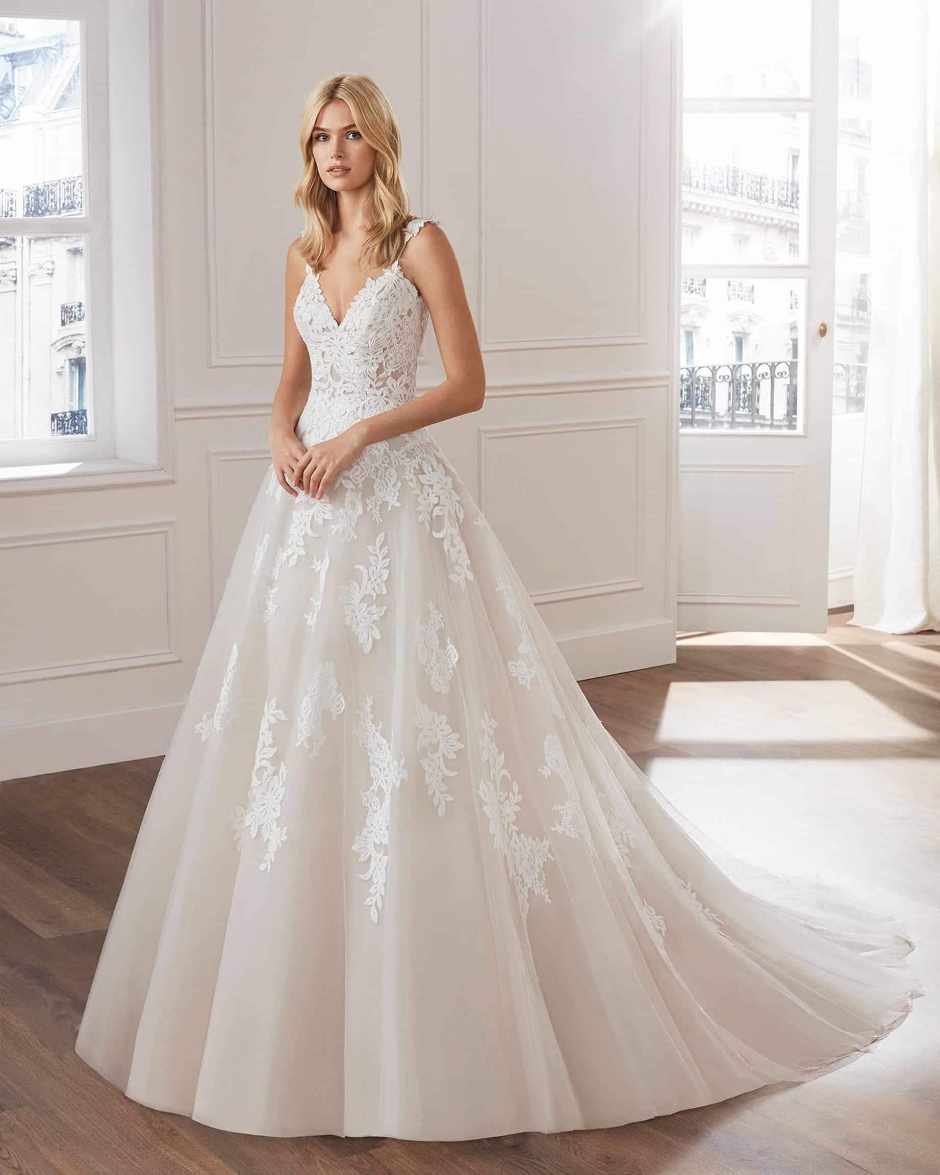 Luna Novias Verti   Prinzessinnen Brautkleid   Hochzeitskleid A-Linie   Brautmode Köln Anna Moda   A