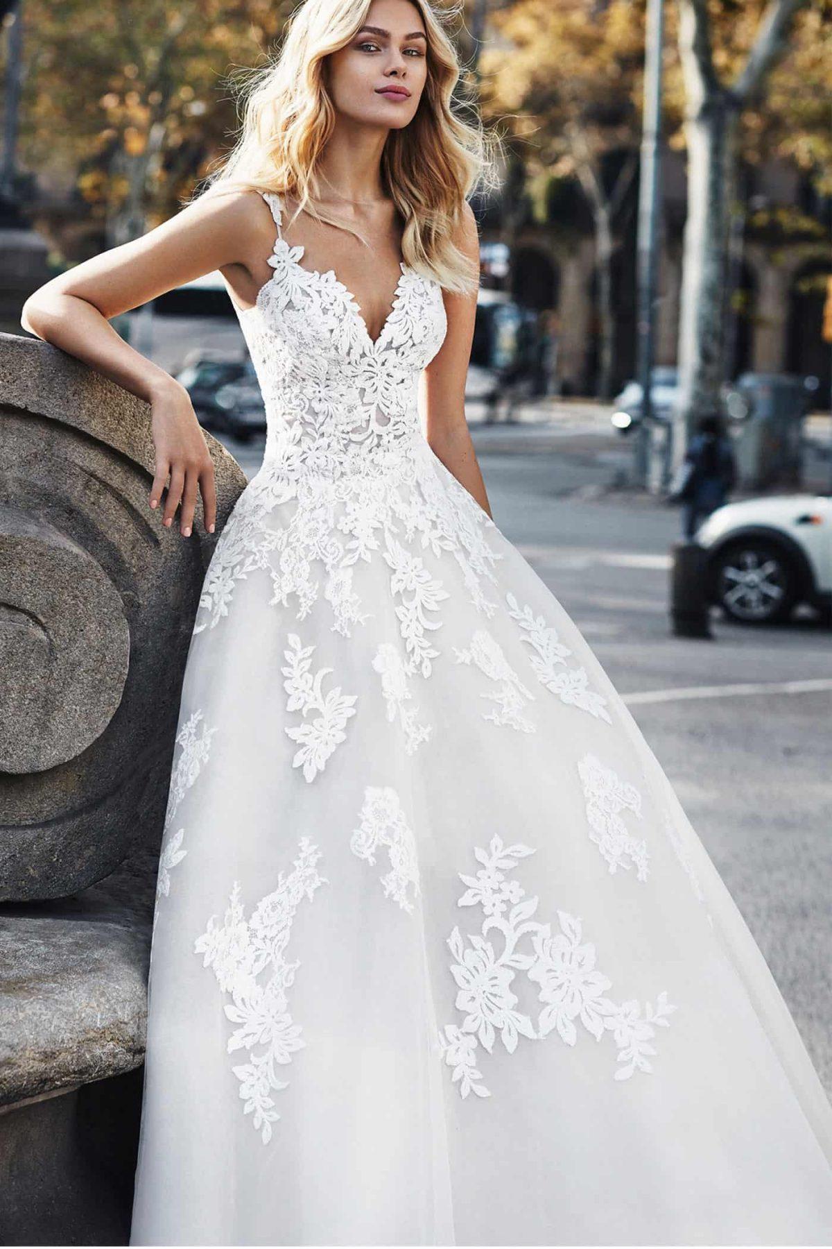 Luna Novias Verti   Prinzessinnen Brautkleid   Hochzeitskleid A-Linie   Brautmode Köln Anna Moda   P