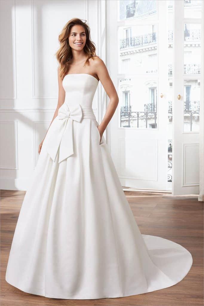 Brautmode Luna Novias | Brautkleid Volant