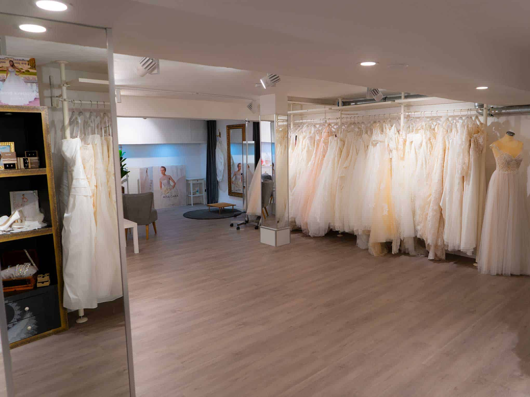 """Hochzeits-Blog """"Fact Anna Moda Brautmode 6"""""""