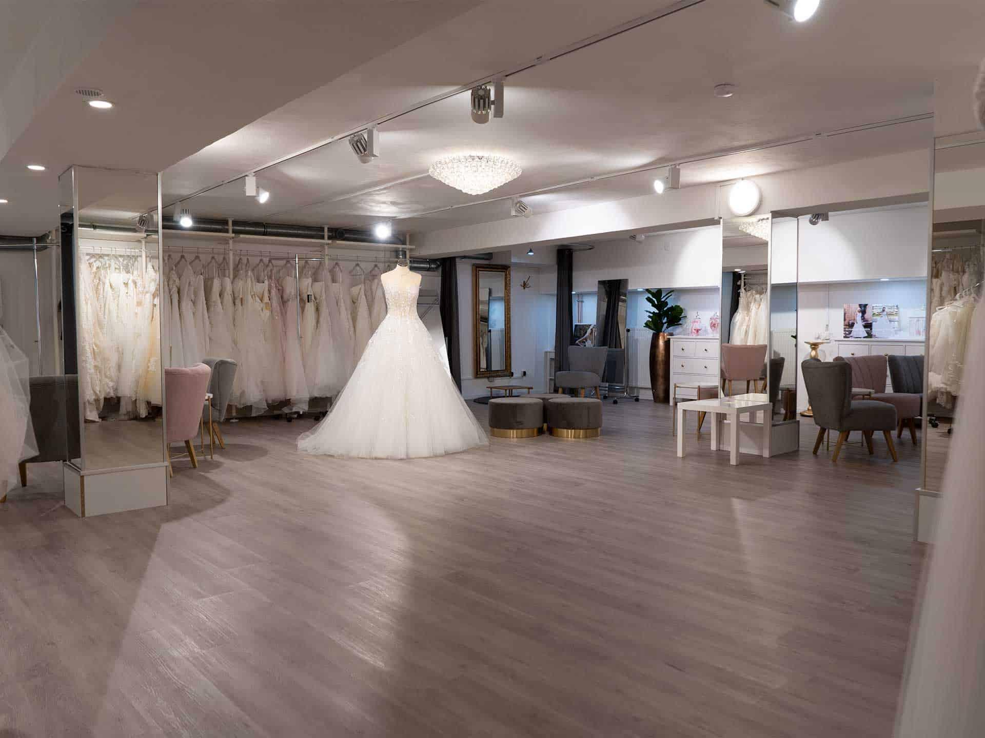 """Hochzeits-Blog """"Fact Anna Moda Brautmode 8"""""""