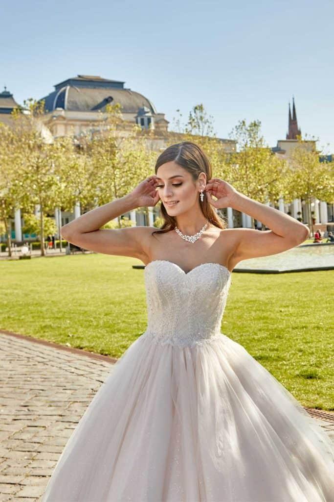 Brautmode Deluxe | Brautkleid 50336