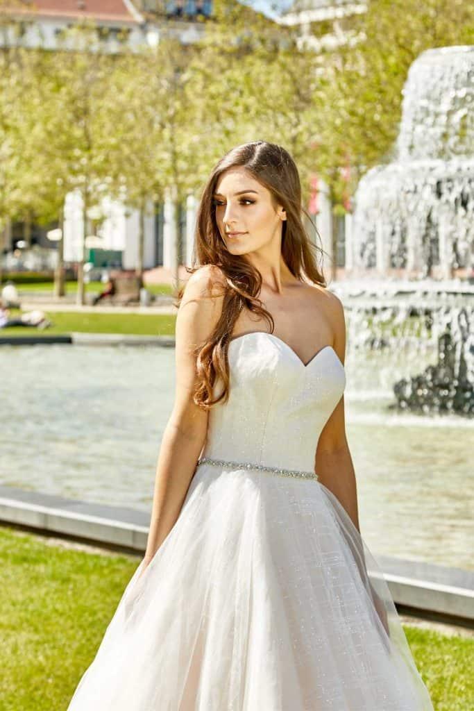Brautmode Deluxe | Brautkleid 50349
