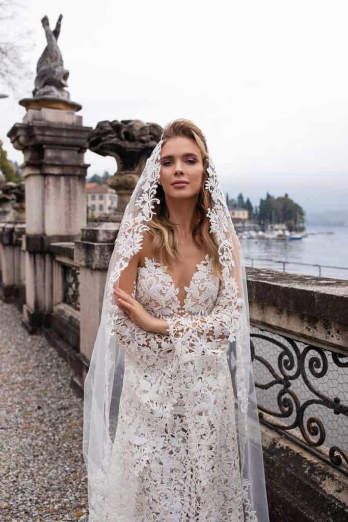 Brautmode Daria Karlozi | Brautkleid 8105