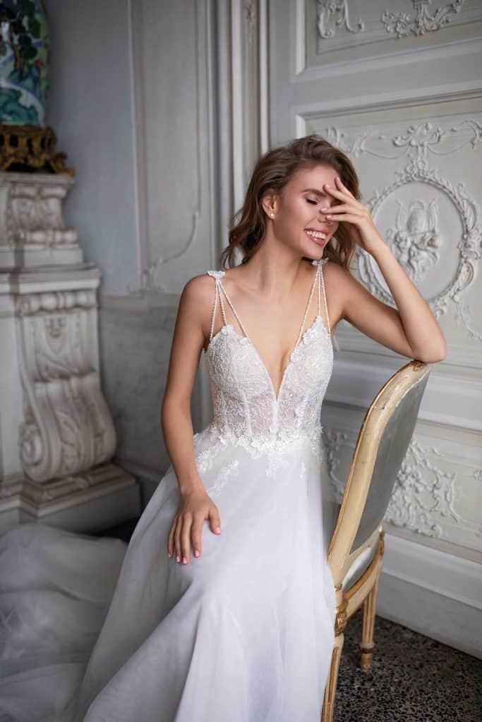 Brautmode Daria Karlozi | Brautkleid 8106