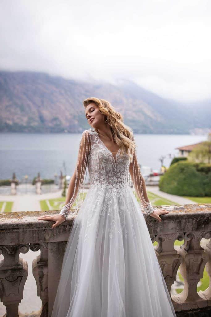 Brautmode Daria Karlozi | Brautkleid 8113