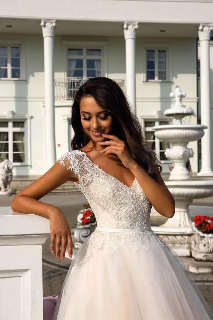 Brautmode Tina Valerdi | Brautkleid Cameron